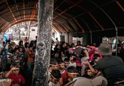 KOFYB'20 melakukan Kegiatan Trauma Healing untuk Anak-anak korban Kebakaran di Desa Ntonggu