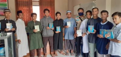 YBM PLN UP3 Bima Serahkan Mushaf Al qur'an kepada Ponpes Imam Syafi'i & Rumah Qur'an Tahfiz